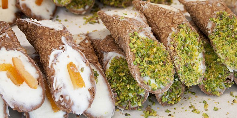 palermo food tour cannolo