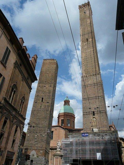 Touristenattraktionen-in-Bologna