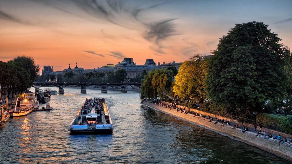 paris-bucket-list-seine